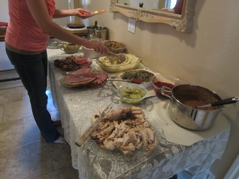 02-Thanksgiving Dinner Spread